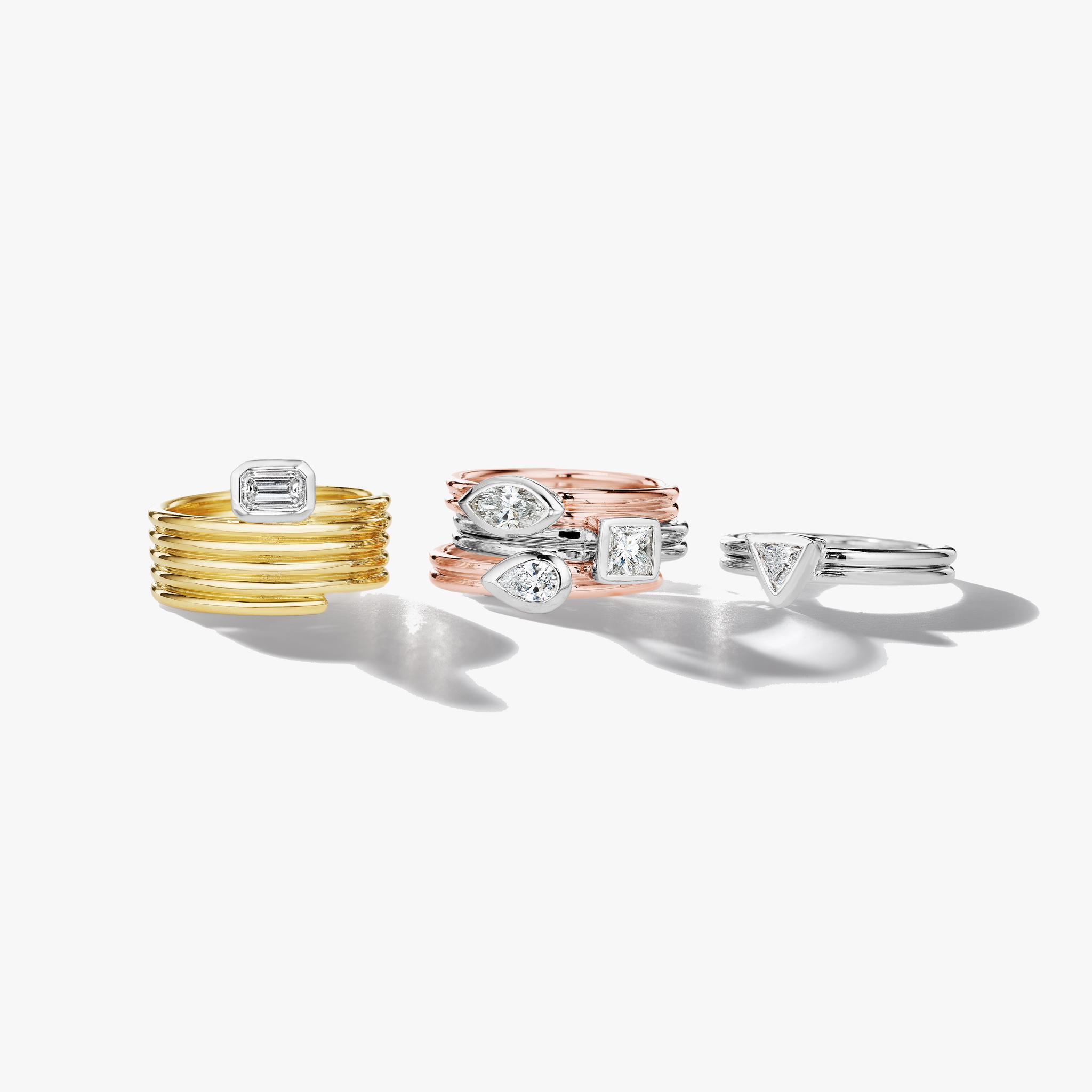 Emerald-Cut-Bezel-Set-Diamond-Ring_18k Yellow Gold